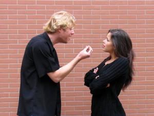 Как распознать манипуляции в отношениях